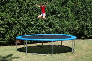 grand-trampoline-outdoor