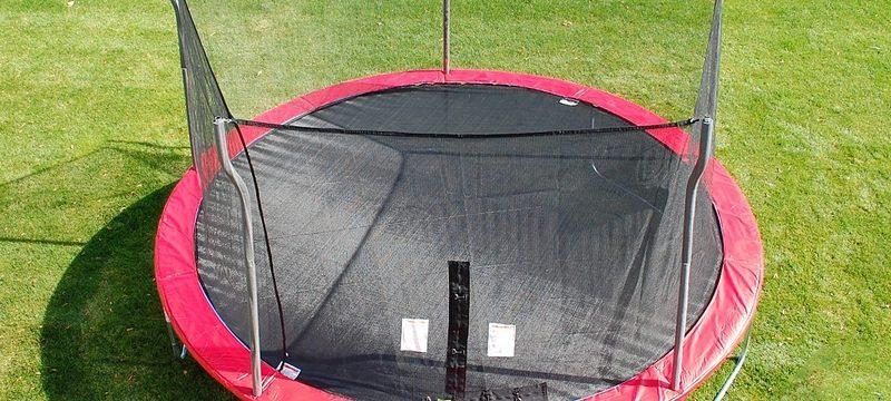nos conseils pour trouver le meilleur trampoline de jardin meilleur trampoline. Black Bedroom Furniture Sets. Home Design Ideas