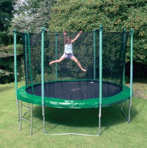 filet trampoline. Black Bedroom Furniture Sets. Home Design Ideas