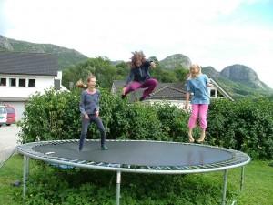 Choisir un trampoline d ext rieur ou d int rieur meilleur trampoline - Trampoline d exterieur ...