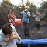 trampoline-geant-bleu