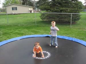 trampoline-inground-enfants