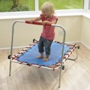 Choisir un trampoline d'extérieur ou d'intérieur ?