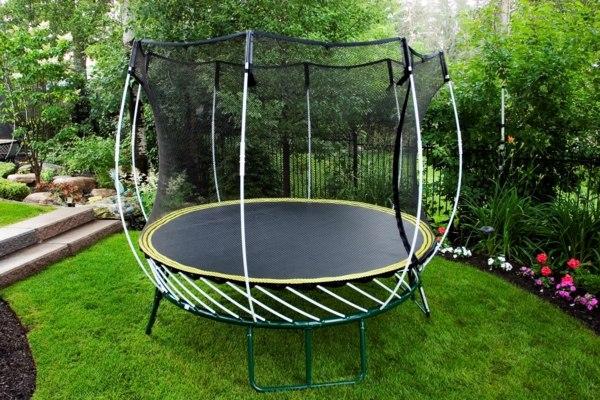 trampoline ext rieur bien le choisir avec les conseils. Black Bedroom Furniture Sets. Home Design Ideas